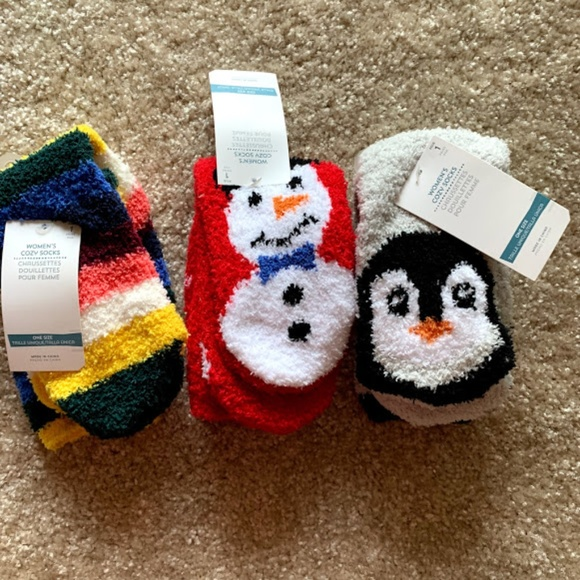 NWT Old Navy Christmas Dinosaur Chenille Fuzzy Cozy Socks Women/'s NEW